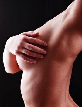 Sein de femme pour la reconstruction mammaire à Marseille